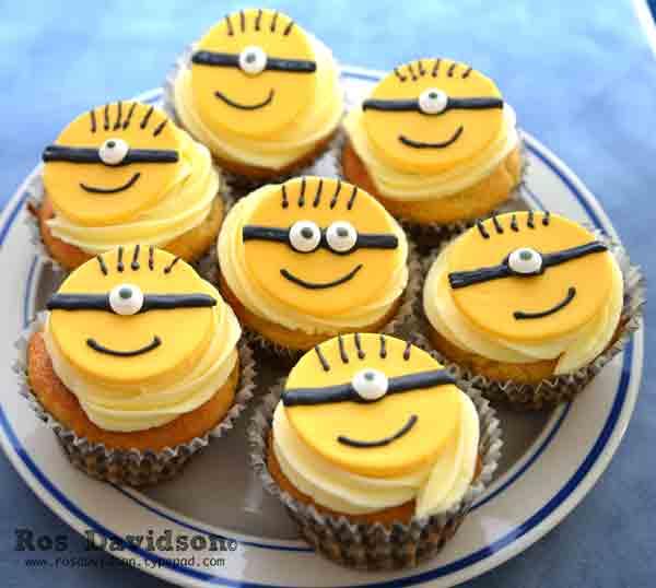 Minion-cake-mini