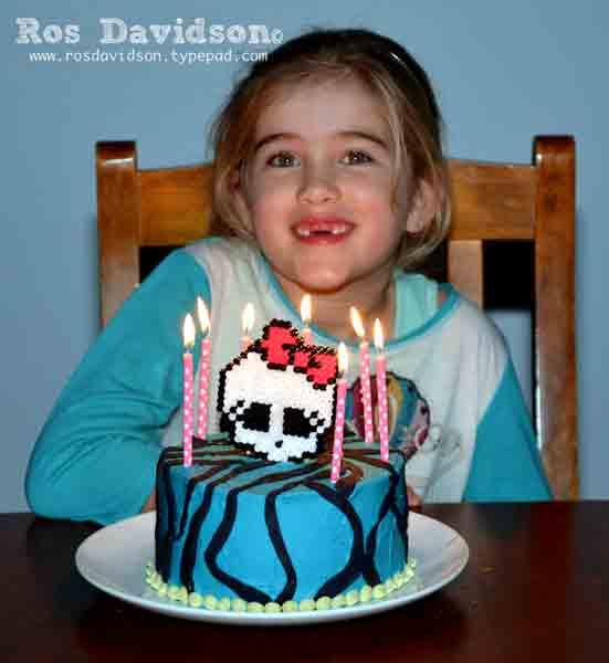 Monster-high-cake